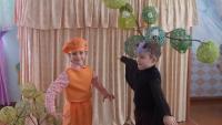 """Театрализованная деятельность: показ сказки детьми подготовительной группы """"Настоящий друг"""""""
